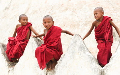 Burma a trip in Buddha Monasteries
